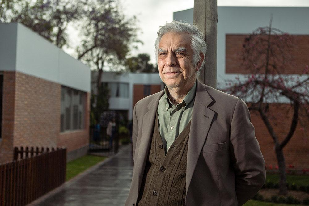 Alonso Cueto, escritor y docente