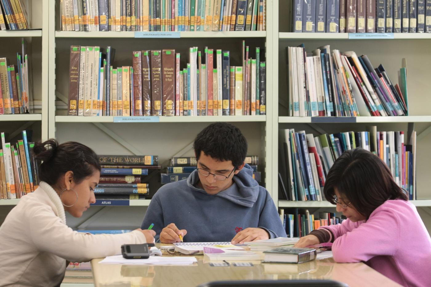 Horarios de las bibliotecas PUCP