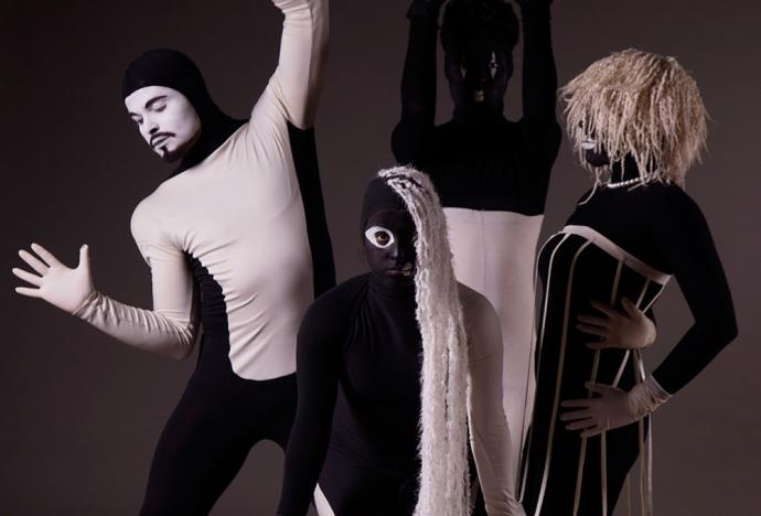 Ingresa al Laberinto: pieza de la Compañía Danza PUCP y Lea Anderson