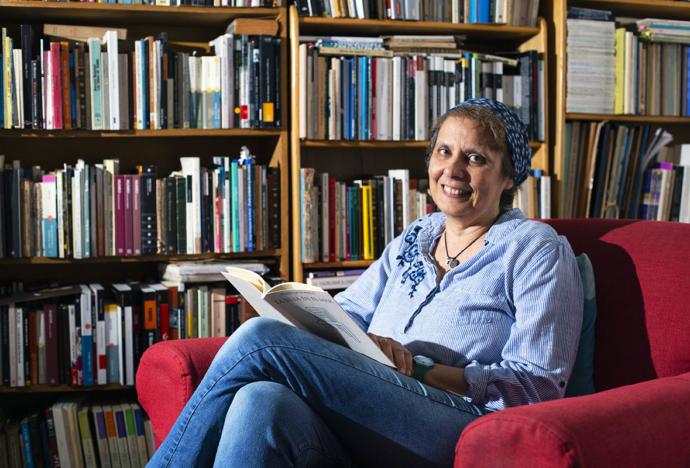 La poeta Rossella Di Paolo recibe el Premio Casa de la Literatura Peruana 2020