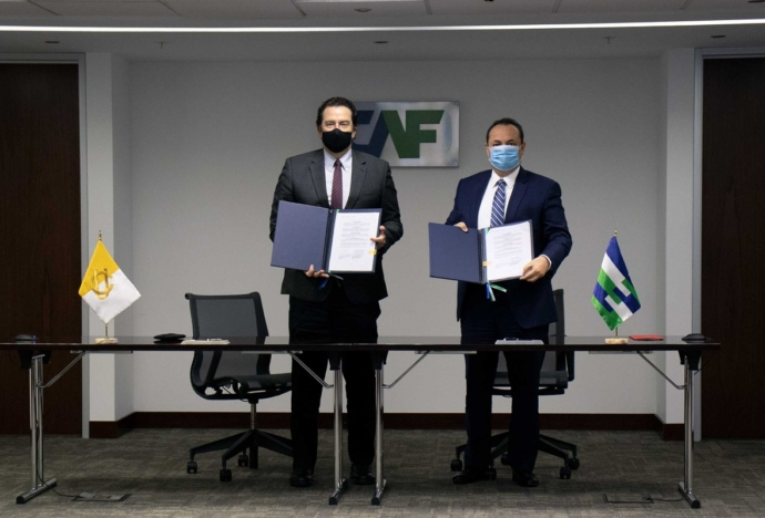 Universidades católicas de Perú, Chile y Bolivia firman convenio con la CAF para realizar investigaciones académicas y proyectos de desarrollo