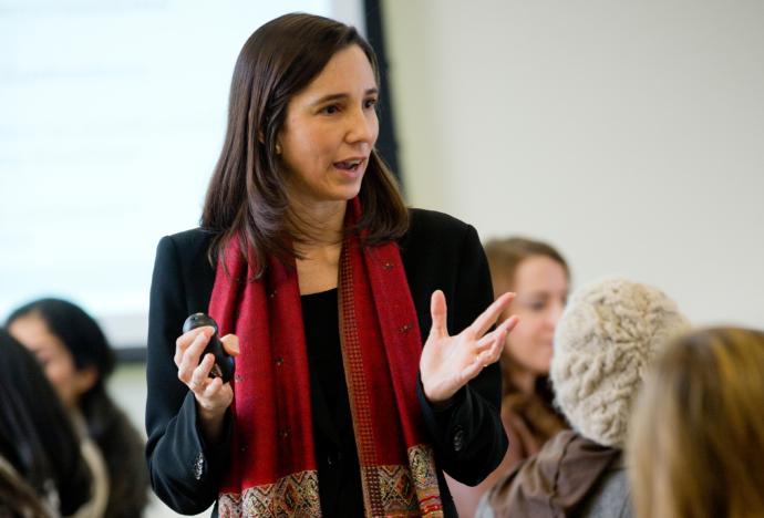 La docente de la Universidad de Harvard Paola Uccelli dará una charla en la PUCP